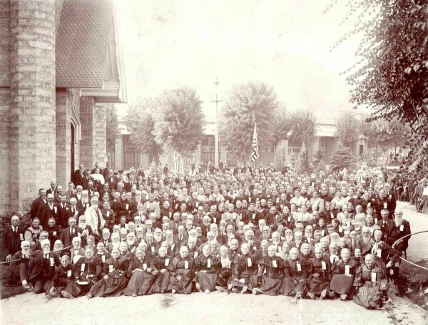 1897 George Anderson photo of the 1847 Utah Pioneers, taken at Temple Square, SLC, UT